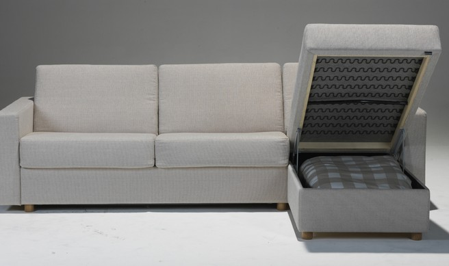 Sovesofa model First med chaiselong.